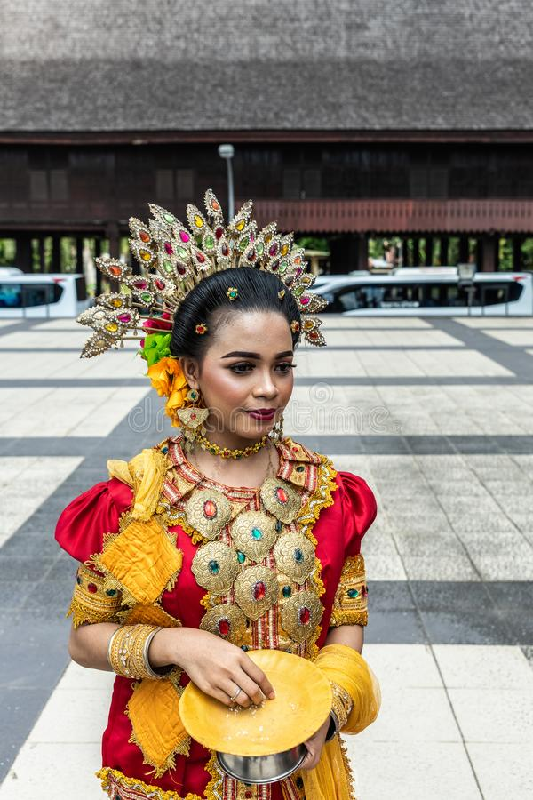 Välkomnande på museet Balla Lompoa i Makassar, södra Sulawesi, Indonesien arkivbild