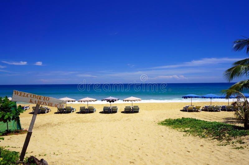Välkomnande till den Karon stranden royaltyfri foto
