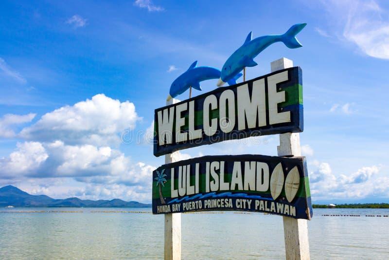 Välkomnande till den Luli ön på Filippinerna arkivfoton