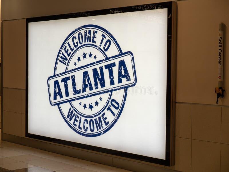 Välkomnande till det Atlanta banret på Hartsfield Jackson Atlanta International Airport fotografering för bildbyråer