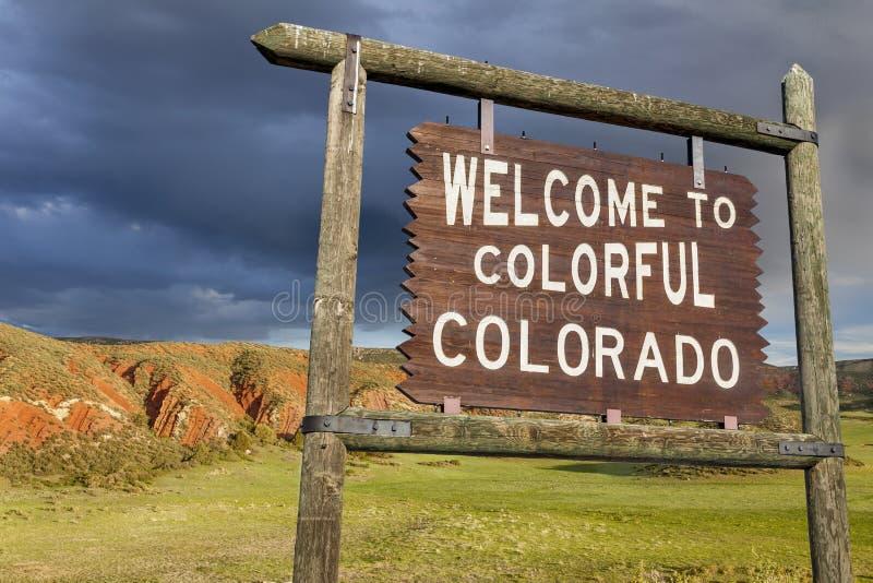 Välkomnande till det Colorado tecknet royaltyfri bild