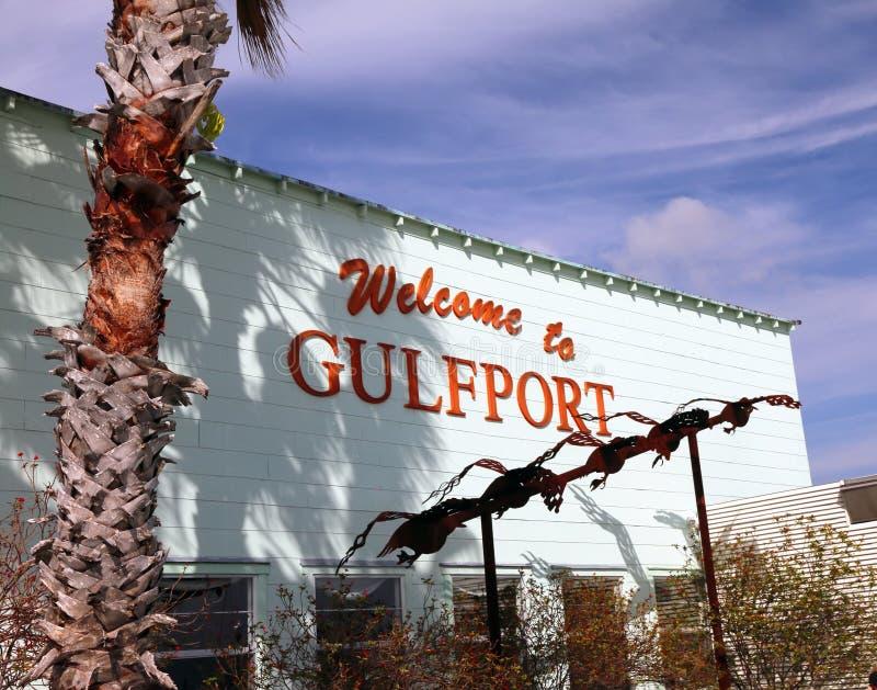 Välkomnande till det Gulfport tecknet royaltyfria bilder