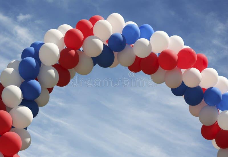 välva sig ballongen royaltyfria bilder