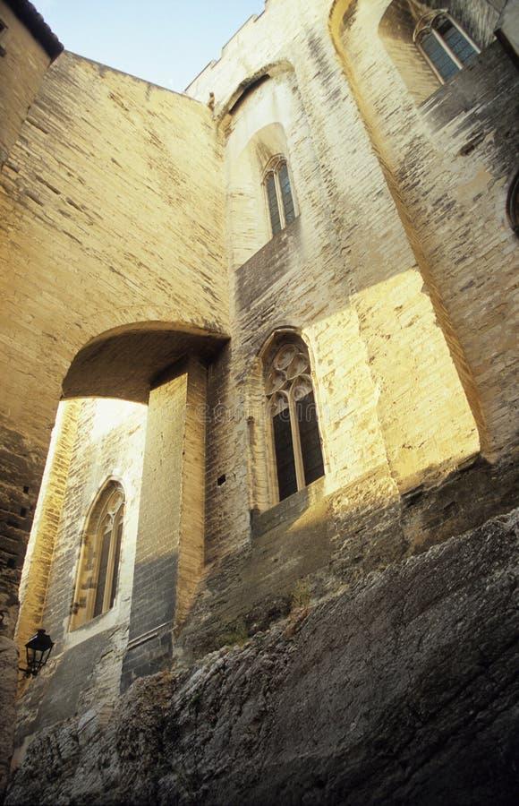 välva sig den påvliga avignon france slotten arkivfoto