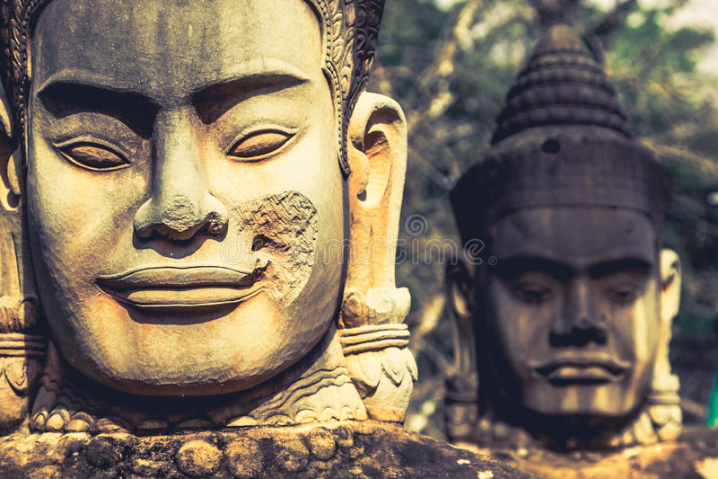 Vända mot Angkor Wat/Angkor Thom cambodia royaltyfria bilder