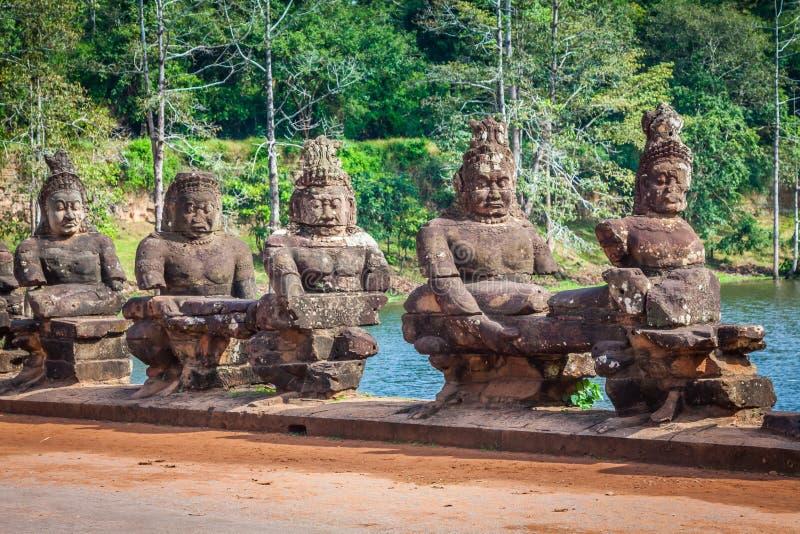 Vända mot Angkor Wat/Angkor Thom cambodia royaltyfri fotografi