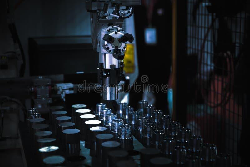 Vändande delar för CNC royaltyfri fotografi