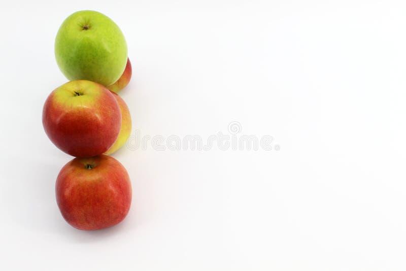Vänligt lag Apple på en vit bakgrund arkivbilder