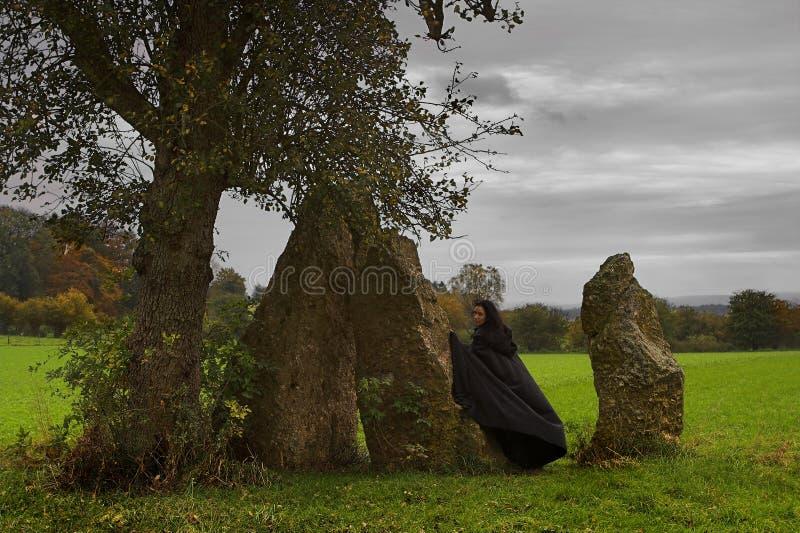 vänta för druids arkivfoton