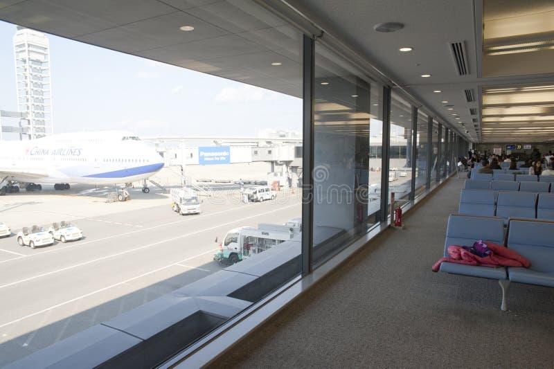 vänta för flygplatslokal royaltyfri foto