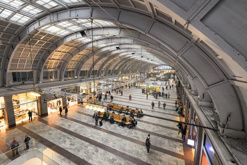 Väntande korridor för Stockholm centralstation arkivbilder