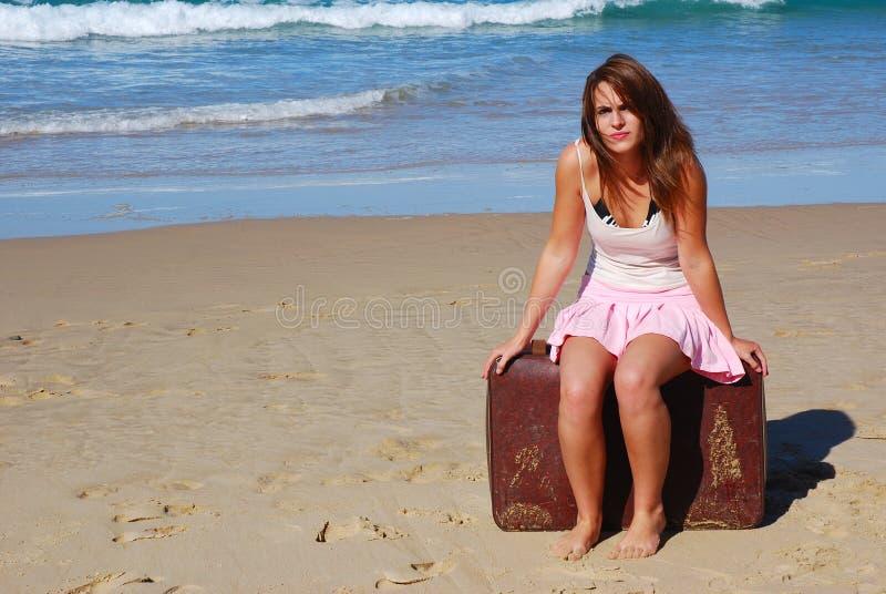väntande kvinna för ferie arkivbild