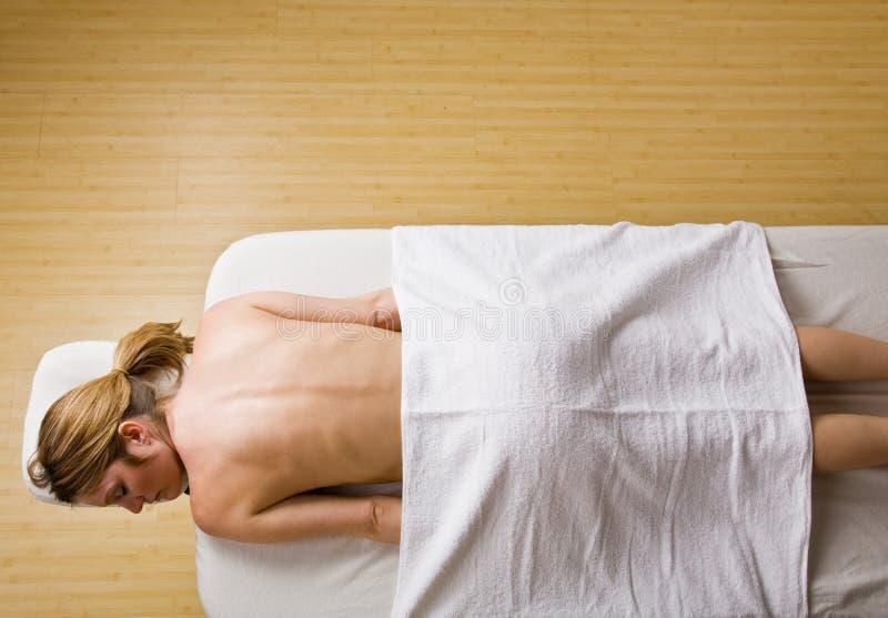 väntande kvinna för massage fotografering för bildbyråer