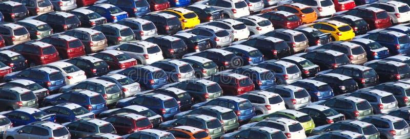 Väntande på import för ny japansk bil royaltyfria foton