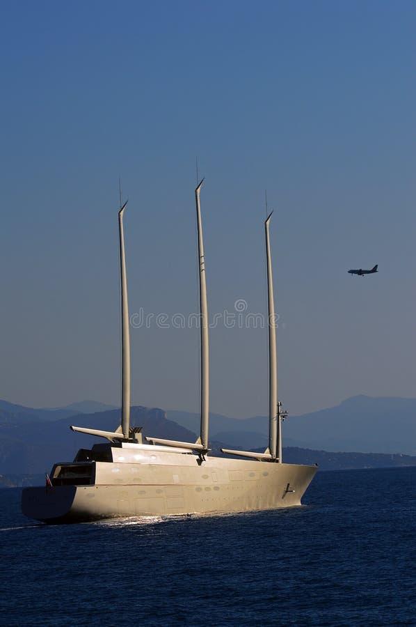 Världens namngav största segla yacht A, fotografering för bildbyråer