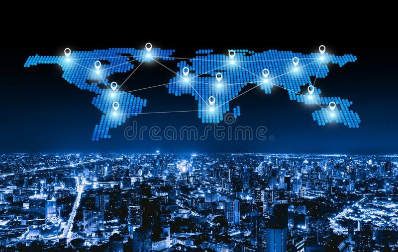 Världskartastiftlägenhet av staden, den globala affären och linjer för nätverksanslutning i futuristiskt teknologibegrepp i smart arkivbilder