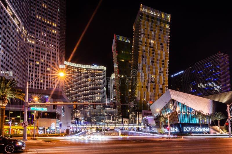 Västra Aria Place & Las Vegas Boulevard på natten arkivbild