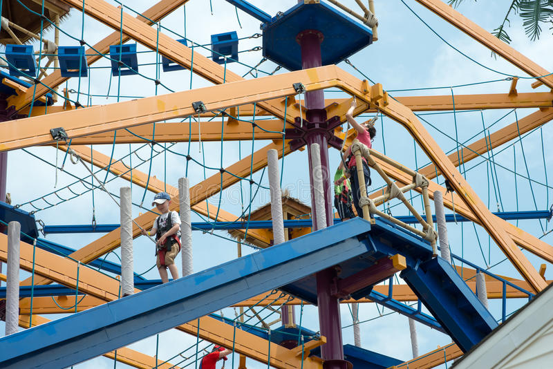 VÄSTRA - Berlin, NJ - MAJ 28: Diggerland USA, den enda konstruktionen arkivfoto