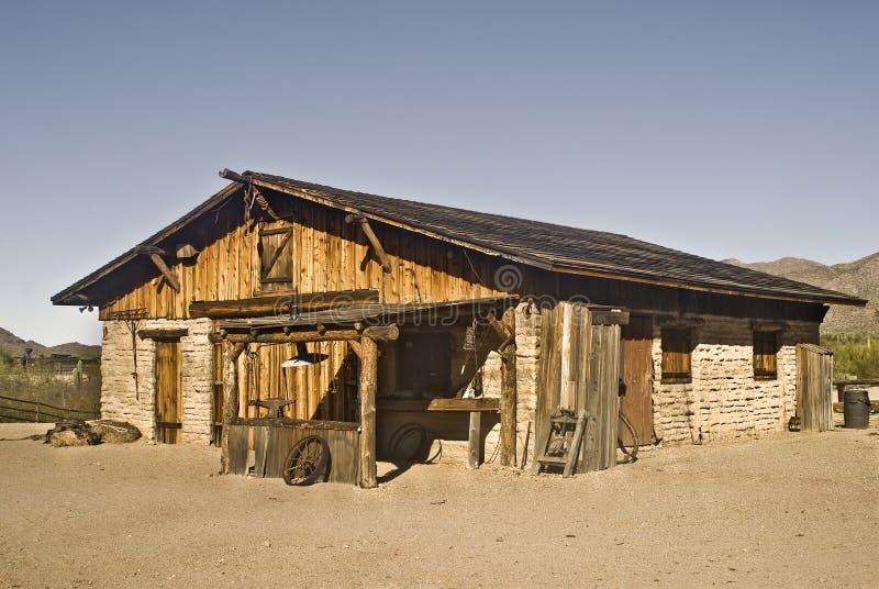 västra byggande gammal ranch arkivbild