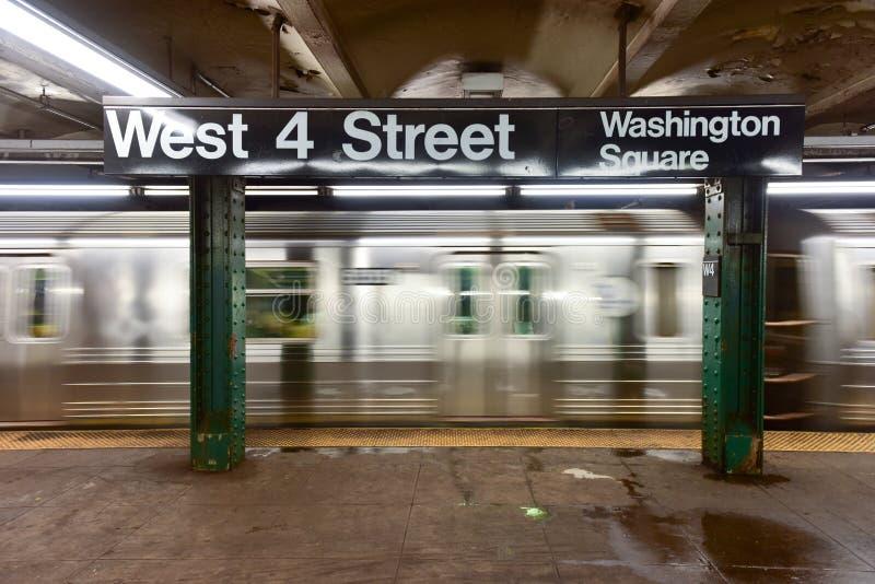 Västra fjärde gatagångtunnelstopp - NYC royaltyfri foto