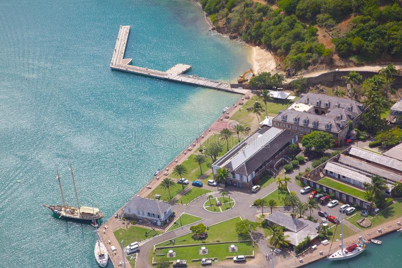 Västra Indies, karibiskt, Antigua, sikt av den engelska hamnen & Nelsons varv arkivfoton