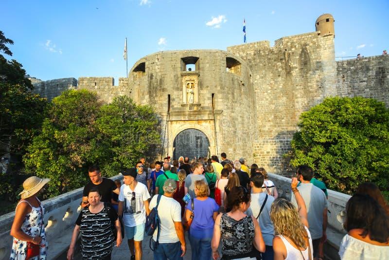 Västra ingång till den gamla staden Dubrovnik royaltyfri bild