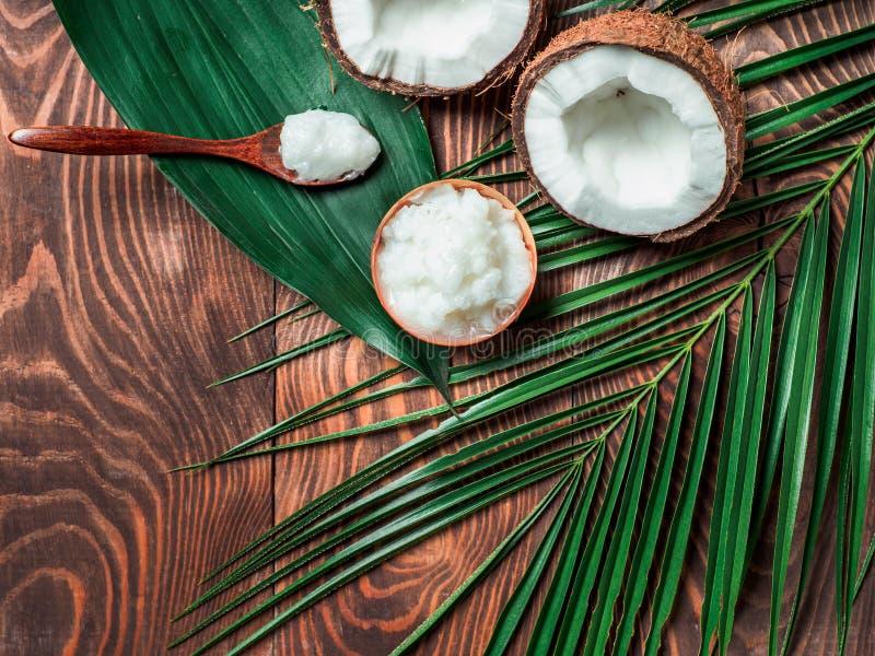 Vätskeutrymme för kopia för bästa sikt för olja för kokosnöt MCT royaltyfri fotografi