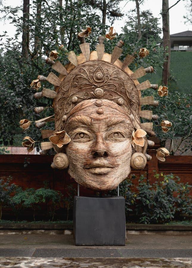 Vävd skulptur på Tirta Empul, Ubud, Bali royaltyfria bilder