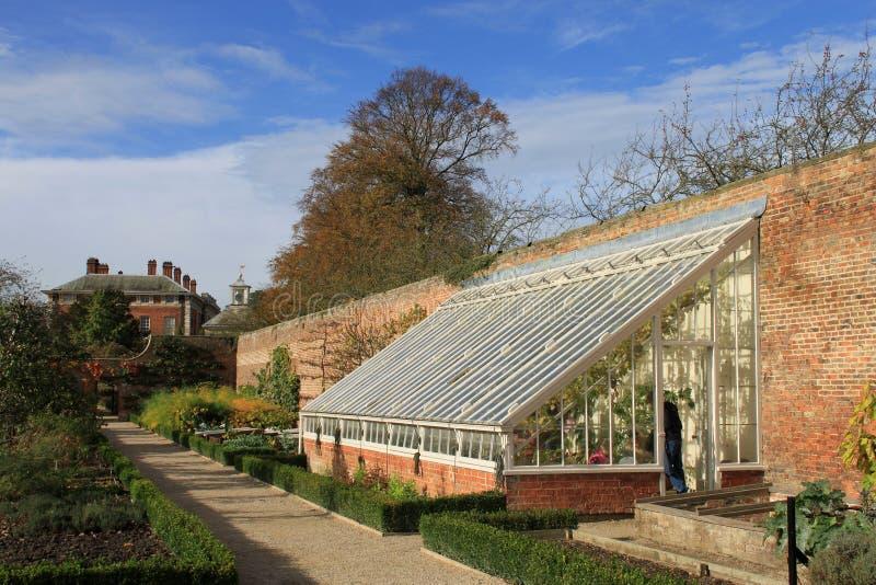 Växthus- och kökträdgård, Beningbrough Hall arkivbilder