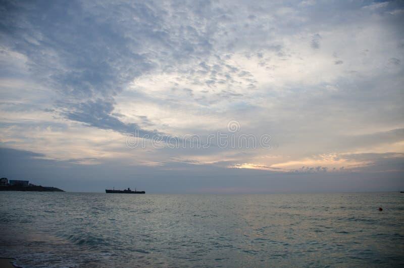 Vågor i Svarta havet arkivbilder