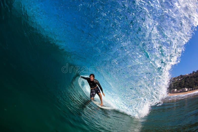 Vågr den surfa hollowen för vinterperfektion vattenfotoet royaltyfri foto