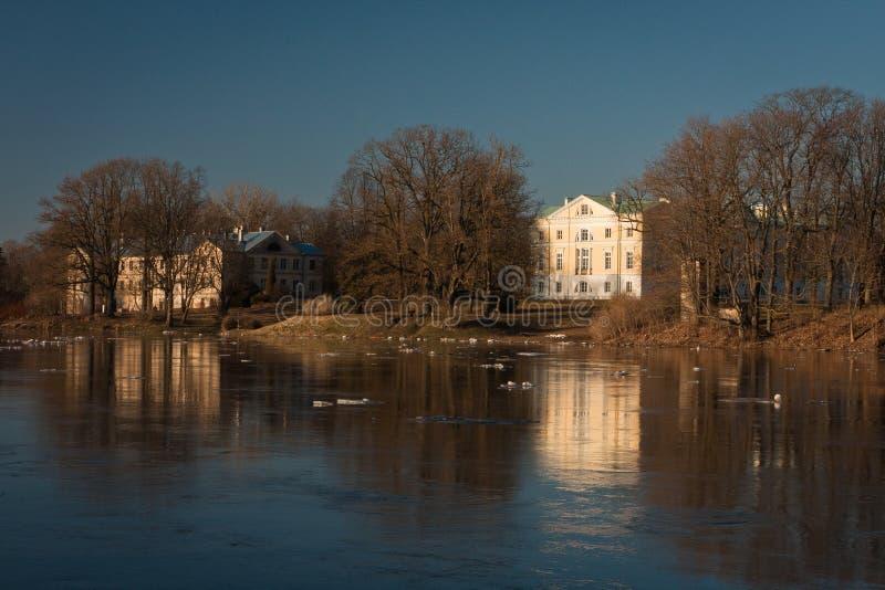 Våröversvämning i den Lielupe floden royaltyfri bild