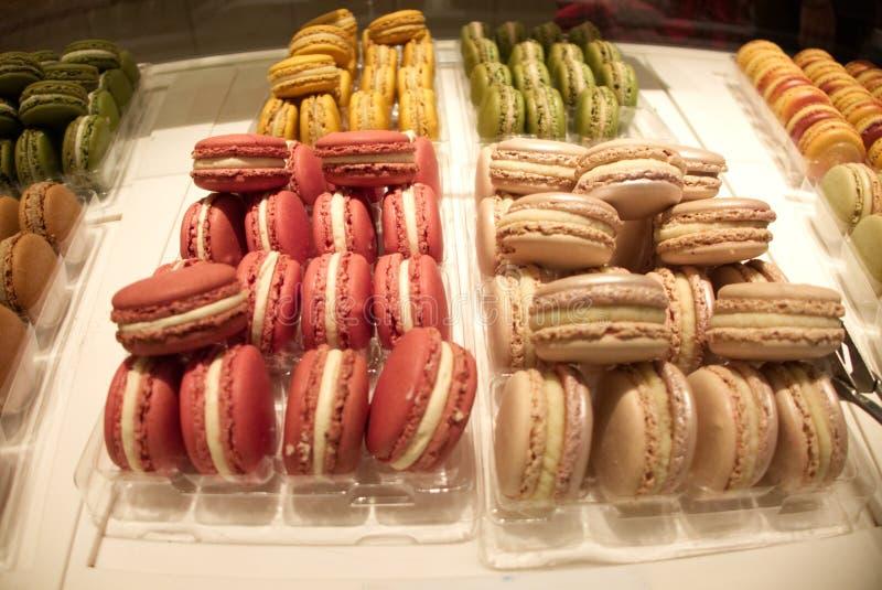 Vår Macarons i Paris royaltyfria foton