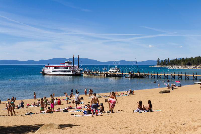 Våravbrott, Lake Tahoe arkivfoto