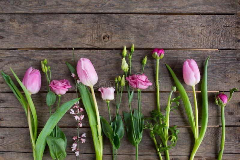 Vårblommor för moderdag arkivbilder
