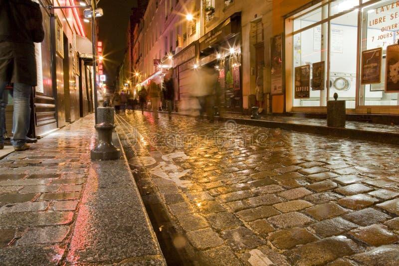 våt paris gata arkivbild