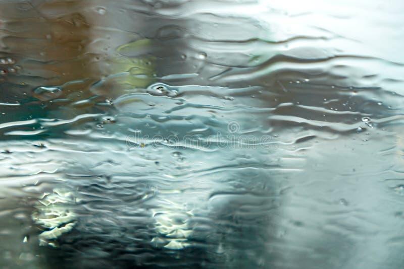 Våt regnig grå tapet fotografering för bildbyråer