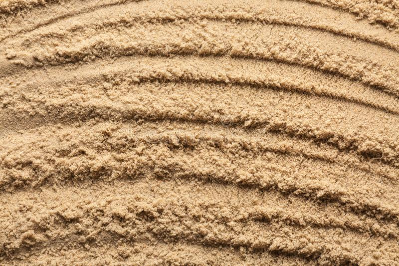 Våt sand med modellen, closeup royaltyfri fotografi