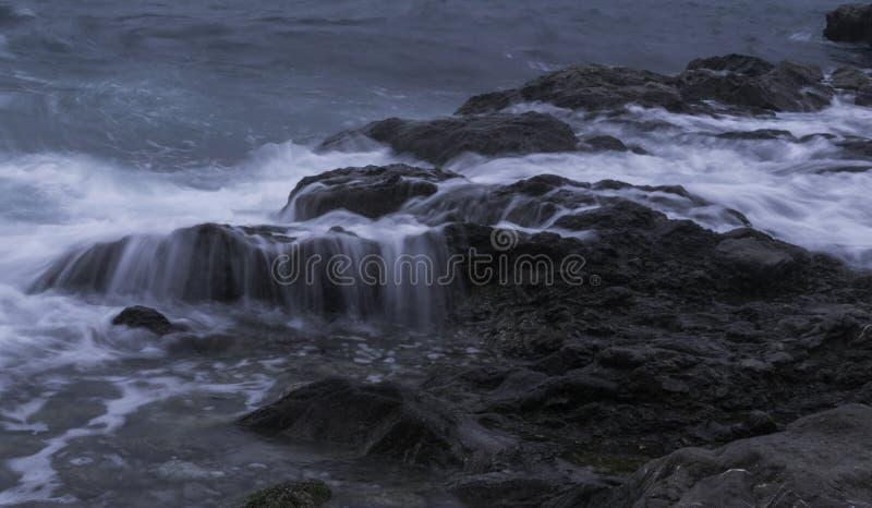 våta rocks royaltyfria foton