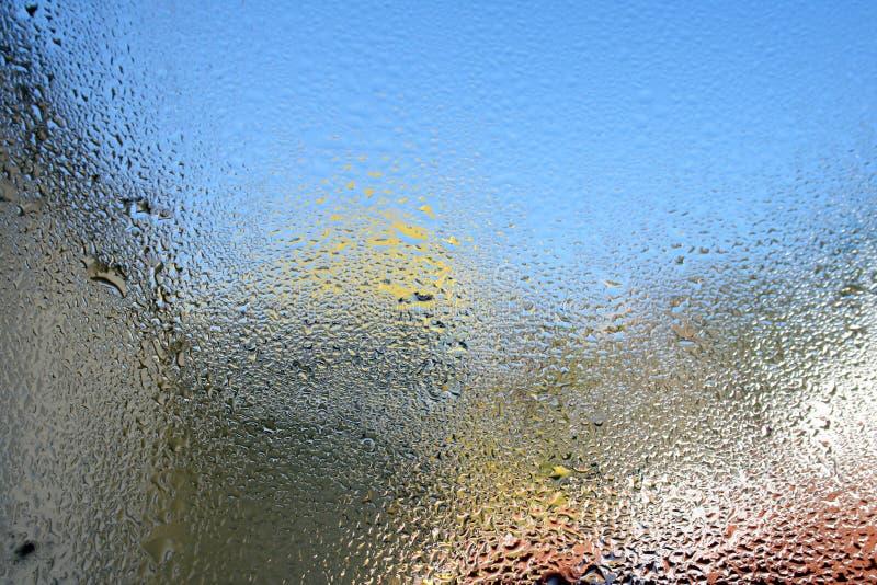 Download Vått fönster arkivfoto. Bild av flytande, rent, exponeringsglas - 27284656