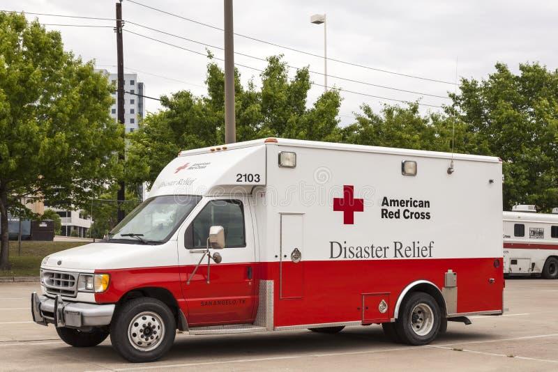 Véhicule américain de secours en cas de catastrophe de Croix-Rouge images stock