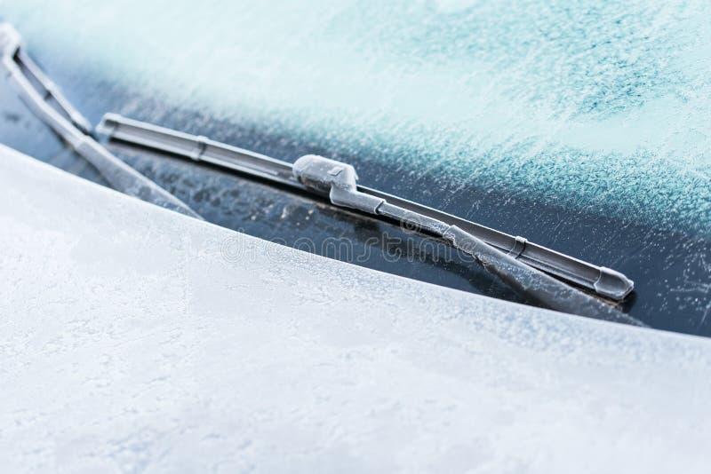 Véhicule couvert de gel images stock