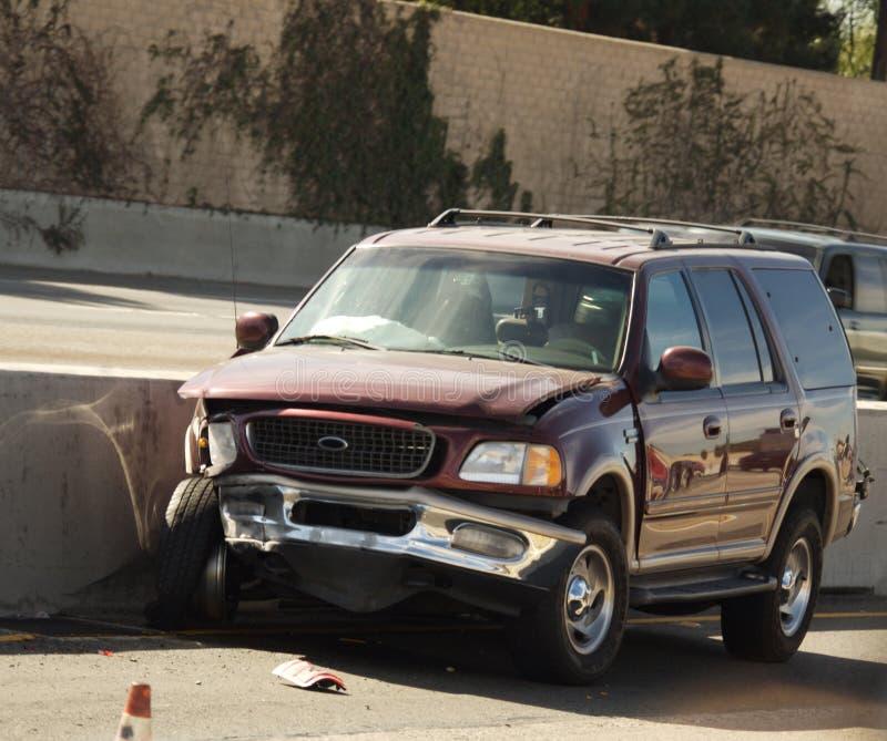 Véhicule dans le crash de véhicule images libres de droits