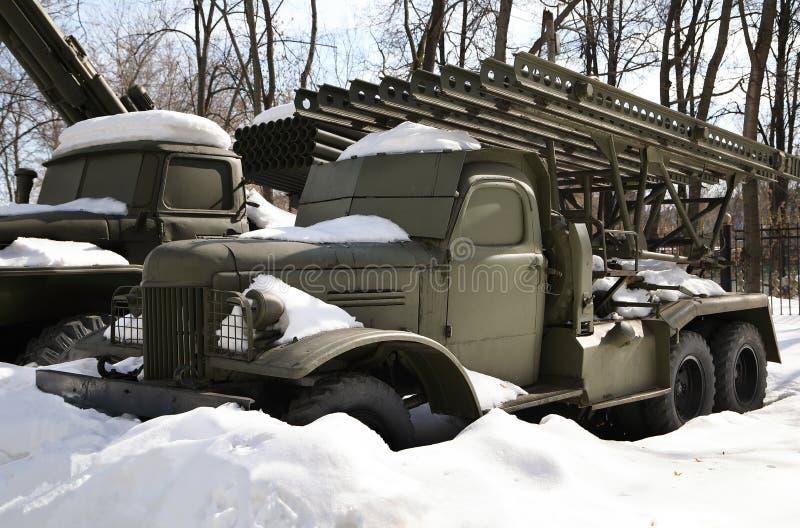 Véhicule de combat de ` réactif de Katyusha de ` de l'artillerie BM-13 photo stock