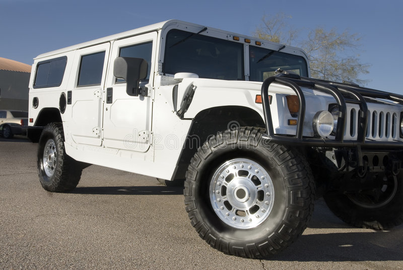 Véhicule de luxe du blanc SUV photos libres de droits