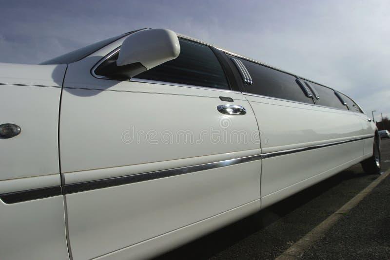 Véhicule de mariage de limousine de bout droit images libres de droits