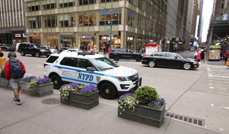 Véhicule de NYPD garé sur la 6ème avenue images libres de droits