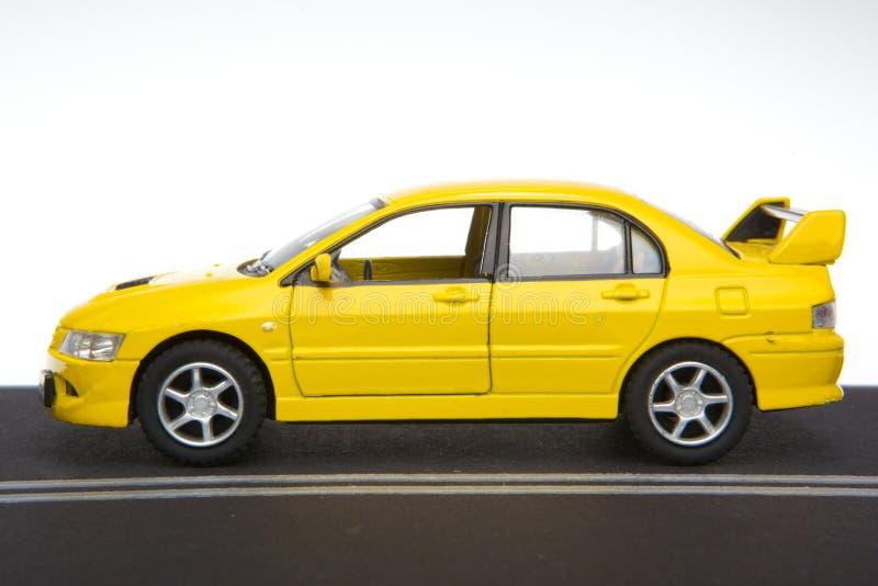 Véhicule de sport jaune photographie stock libre de droits