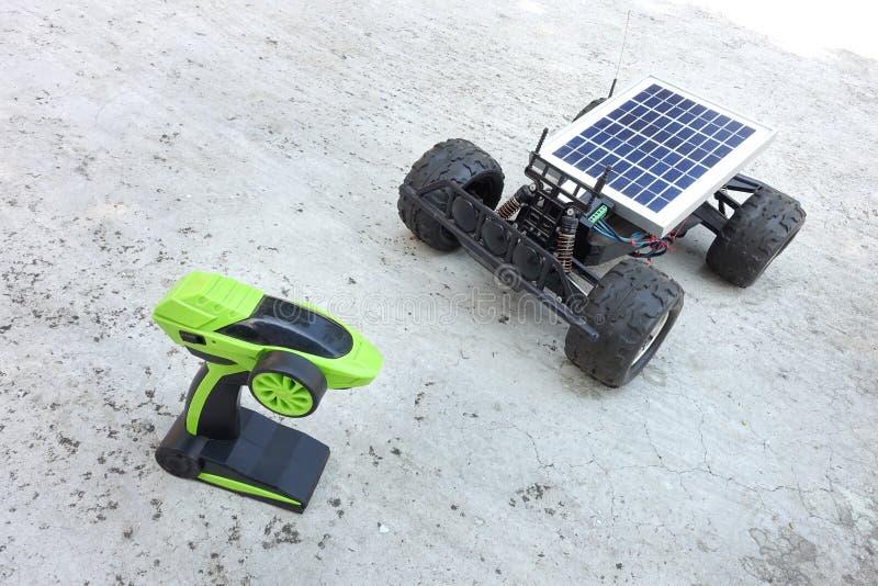 Véhicules à télécommande, prototypes de l'énergie solaire image libre de droits