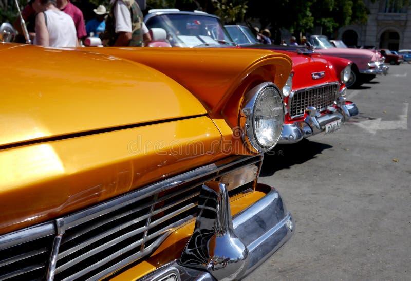 Véhicules colorés à La Havane, Cuba photo stock